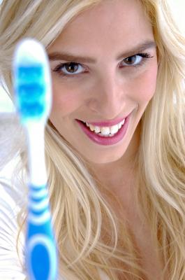 איך להלבין שיניים בצורה טבעית ?