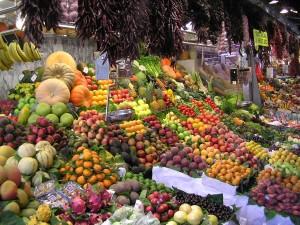 כדאי לדרוש מהמוכר פירות טריים, הם מכילים יותר ויטמינים