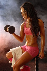 אימון כוח הוא הכרחי לשמירה על קצב חילוף חומרים גבוה