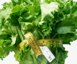 תפריט הדיאטה היומיומי מועשר בויטמינים ובנוגדי חמצון עם הירוקים