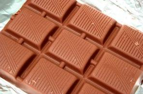שוקולד, פירות או פחמימות זמינות אחרות אינן מומלצות בסמוך לאימון.