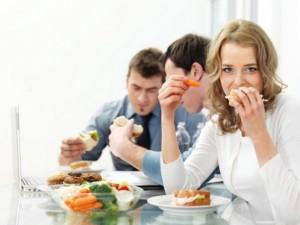 טיפים לאכילה נכונה במשרד