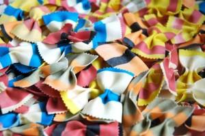 50 גרם פסטה יבשה, פרפרים אפשר בכל צבע