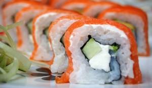 פעם או פעמיים בשבוע ניתן לאכול סושי המכיל טונה או סלמון